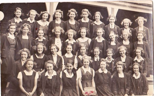 smiths-hill-girls-high-school-1940