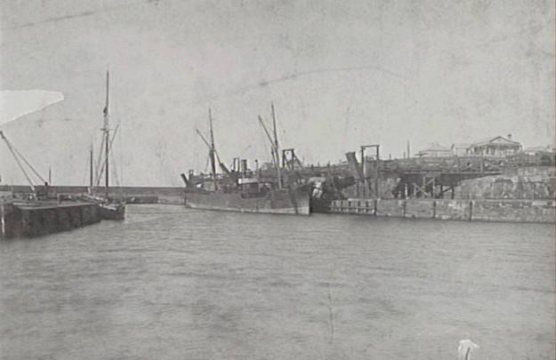 Wollongong Harbour 1880's d