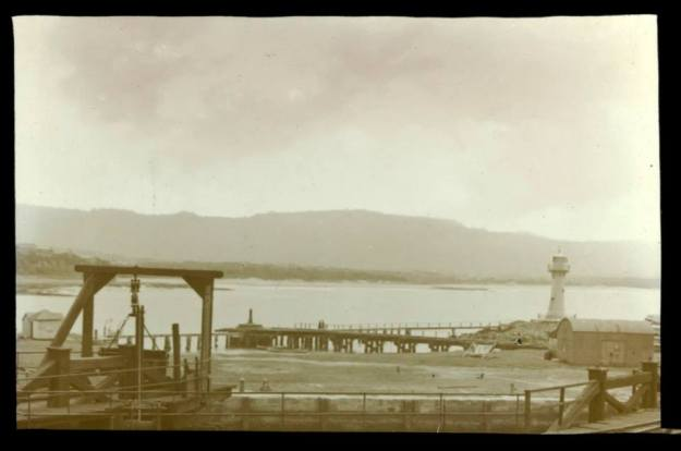 Wollongong Harbour unknown c